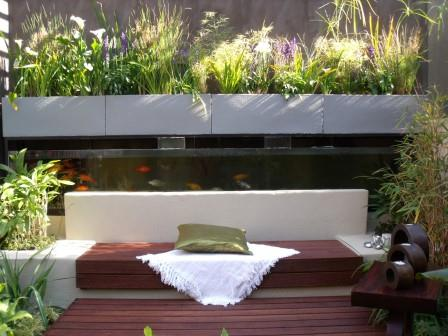 Using a small space to the best advantage. Picture courtesy www.gardenworld.co.za