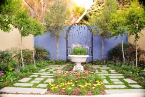 This garden highlights the possibilities of a DIY garden