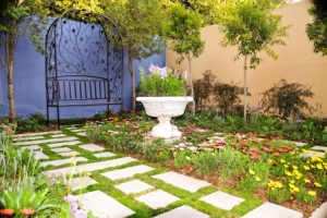 This garden will inspire you to experiment with DIY designing