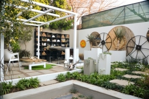 Escape the hustle and bustle in this practical garden